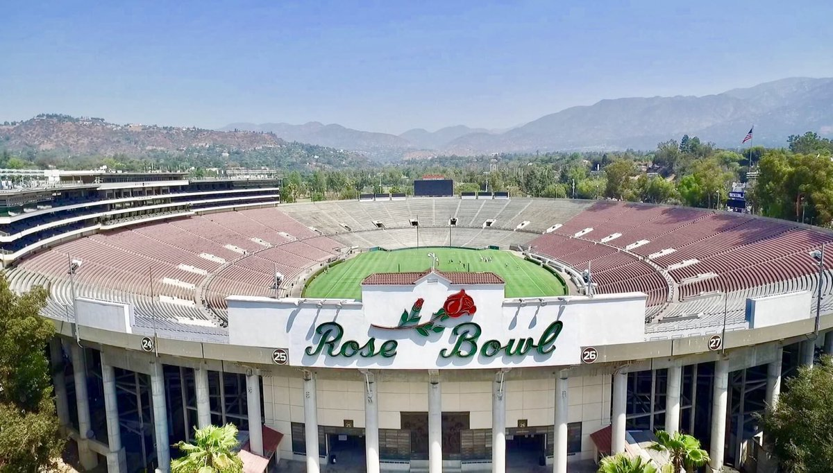 It's great to be out in Pasadena watching high school football in the shadows of the greatest stadium in college football!!