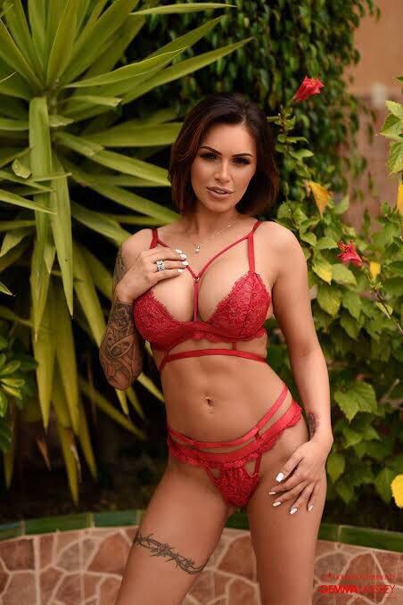 Glamorous Babe Gemma Massey Tiny4k 1