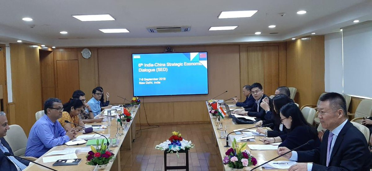 The 6th India-China Strategic Economic Dialogue (#SED) is currently underway at #NITIAayog, with round table meeting of the Joint Working Group on #policy coordination.