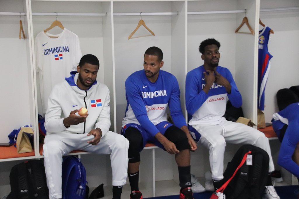 En un rato comienza la verdadera acción. • #VamosDOM🇩🇴 #DominicanaGotGame #FIBAWC #JetBlueAerolíneaOficial