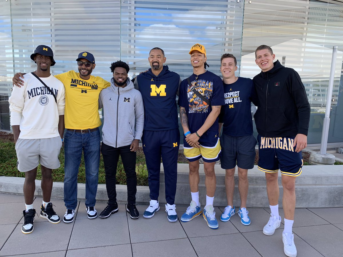 There isn't anything better than FAMILY!  〽️🏀 ➡️ #GoBlue