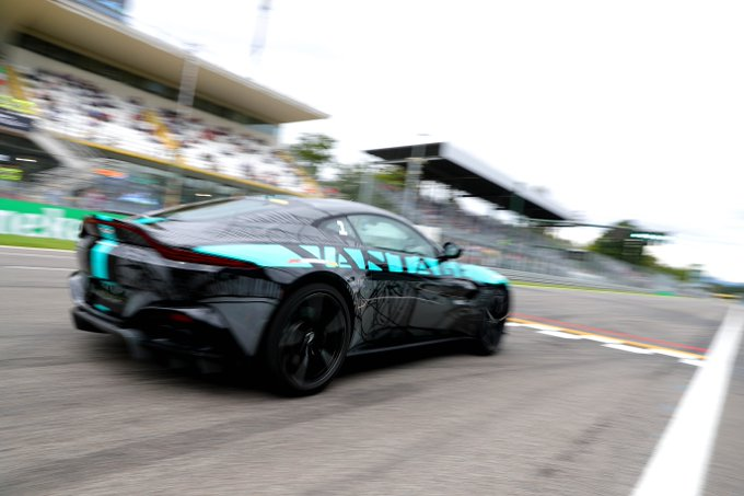 VANTAGE AMR: PURE, ENGAGING, MANUAL PERFORMANCE – Aston