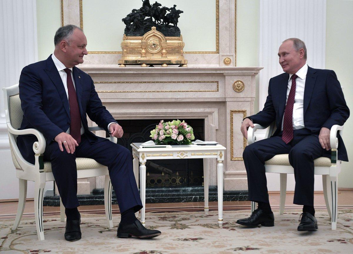 Vladimir Putin met with President of Moldova Igor Dodon bit.ly/2lEhZk2