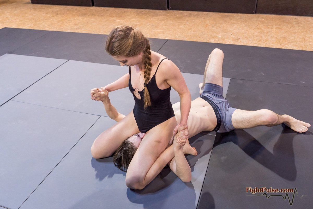 Exclusive femdom fighting wrestling videos