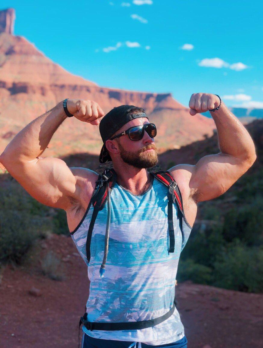 #flex #desert #hiker 💪🏼