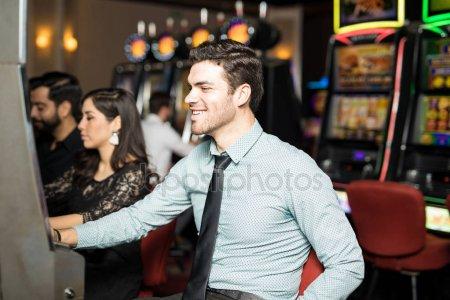 Выиграл парень в казино вулкан как в samp выйграть в казино