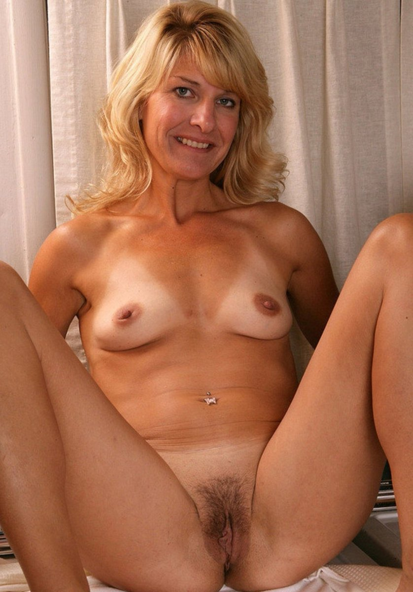 Beautiful Women Over 40 Naked