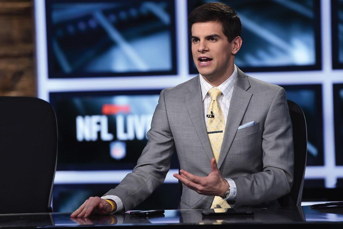 """test Twitter Media - If your NFL Sunday plans include checking on your #fantasyfootball lineup, you'll want to heed the expertise of @FieldYates'09. The go-to for all things NFL for @espn says statistics are """"one of the central arteries of fantasy football."""" 🏈 https://t.co/LeyC6ls01n #NFL100 https://t.co/jBSUH9gwkS"""