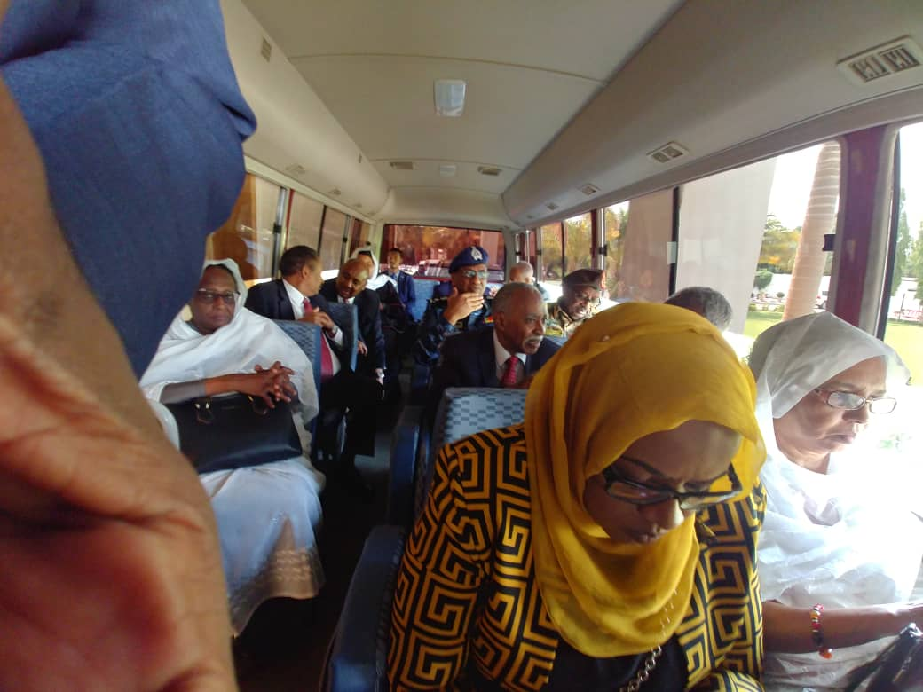 The new Sudanese cabinet took a bus for their oath swearing ceremony, a welcome move away from the convoys of SUVs. #SudanUprising <br>http://pic.twitter.com/MxQeBpG209