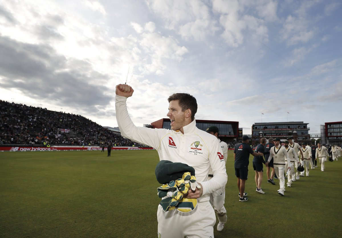 Tim Paine, the first Australia men's captain to take the Ashes back down under since Steve Waugh in 2001!   #ENGvAUS   #Ashes<br>http://pic.twitter.com/3YatH61K4x