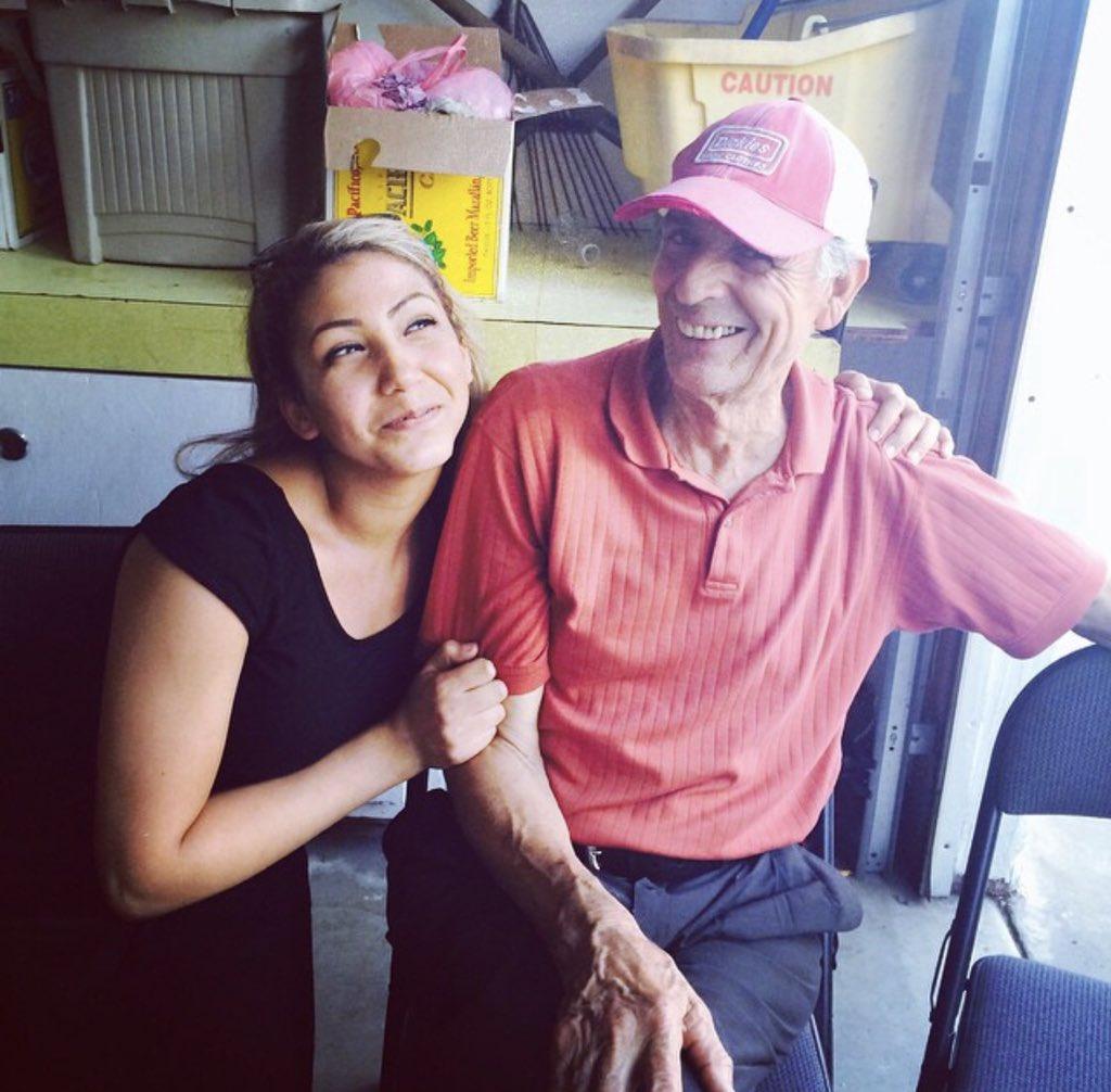 Lo extraño tanto abuelito 💜#NationalGrandparentsDay #EndAlz