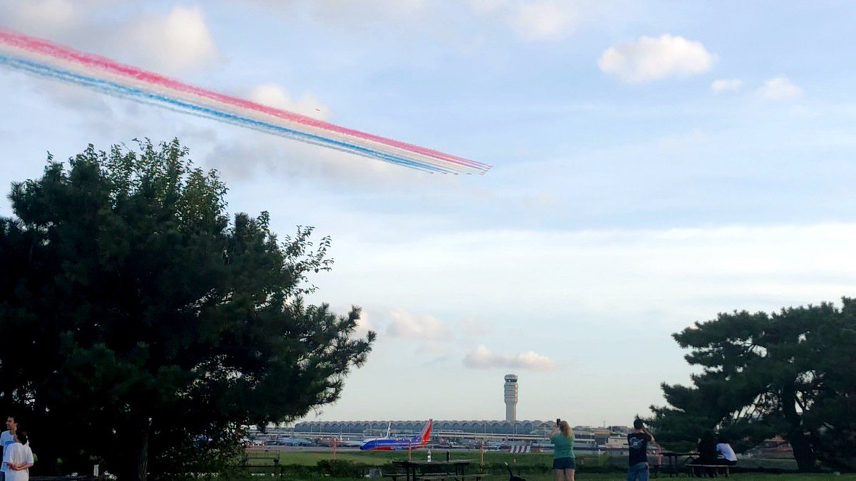 Who else caught the @rafredarrows flyover for tonight's @nationals game? 😍