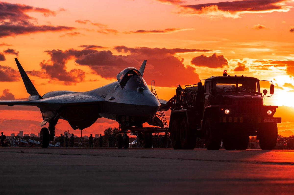 مقاتله Sukhoi T-50 PAK FA سيتغير اسمها الى Su-57  - صفحة 7 EDAEs10XUAIVrBP