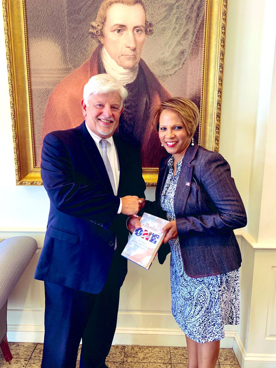 We love this photo taken @patrickhenrycol with President Jack Haye and @IAmSophiaNelson as she presents a copy of #epluribusone @ePluribusCast standing in front of a photo of Patrick Henry who is profiled in the book. #GiveMeLibertyOrGiveMeDeath #foundingfathers<br>http://pic.twitter.com/sdOEXjSGld
