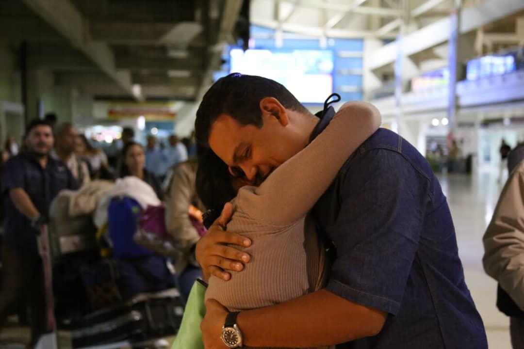 Venezuela - Emigrar o no Emigrar... he ahi el problema?? - Página 8 EDA_O5zXsAcx4hB