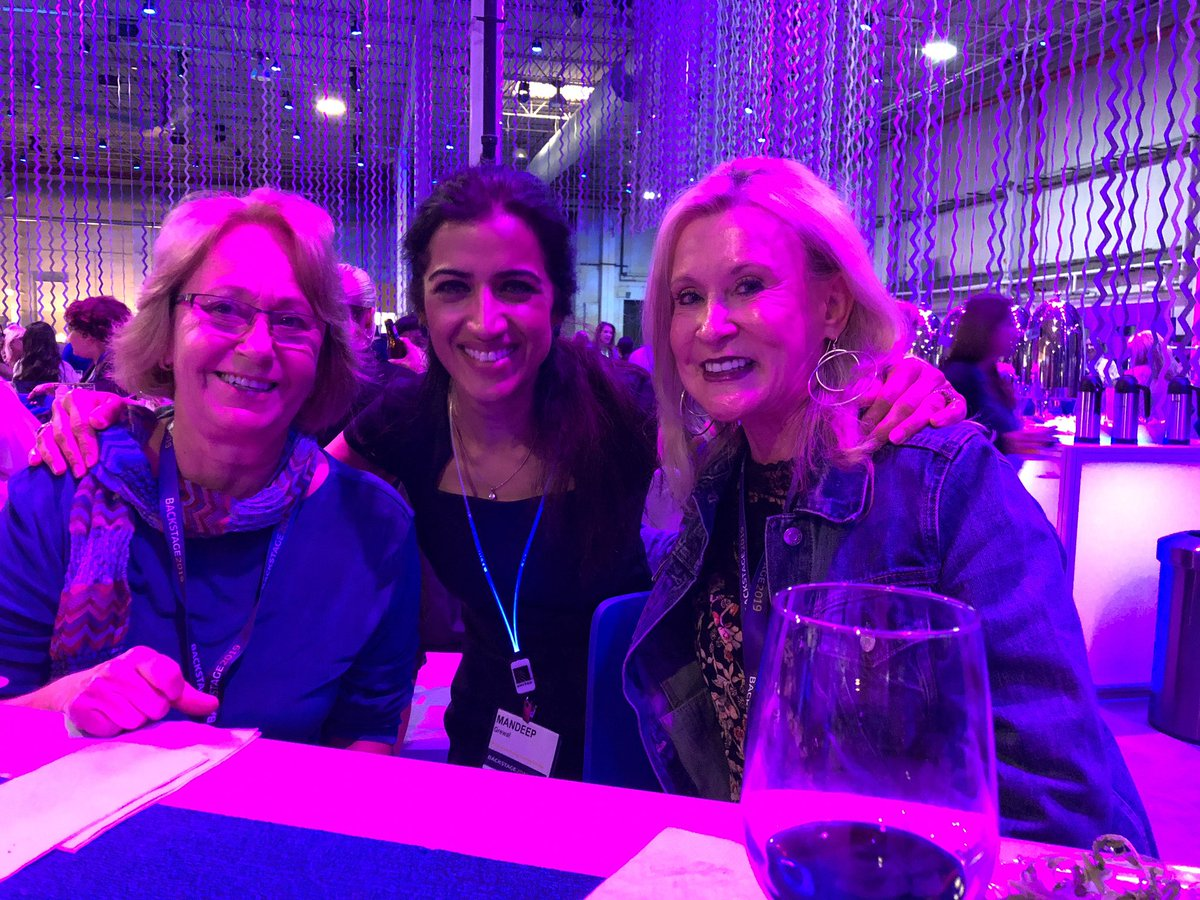 Backstage! What a great forum to meet some amazing people. Had the pleasure to talk with Nancy Wynne & Katharine Manzon, each with 49 & 48 years with United! And so many other impressive folks! 🙏 for a fun evening! @johnsla07929413 @Tobyatunited @weareunited