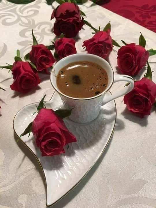 Открытка с добрым утром розы и кофе