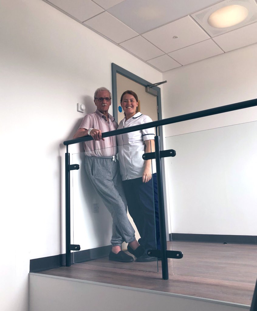 So one of our patients got very confident at the top of the stairs and wanted a picture with @daisy_may_lord! Loved his pose 😆👏🏼 well done Bill 🏩 #Rehabilitation #CrumpsallVale #WednesdayMotivation #Physiotherapy https://t.co/NsGkTmwDL5