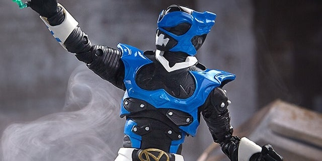 .@Hasbro Reveals #PowerRangers In Space Blue Psycho Ranger Lightning Collection Figure Photos and Details, Just In Time For Power Rangers Day! comicbook.com/powerrangers/2…