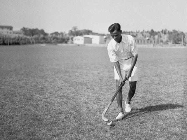 On #NationalSportsDay, paying my respects to Dhyan Chand Ji, the wizard of hockey, and also to all athletes who play for our country with vigour and passion. 🙏
