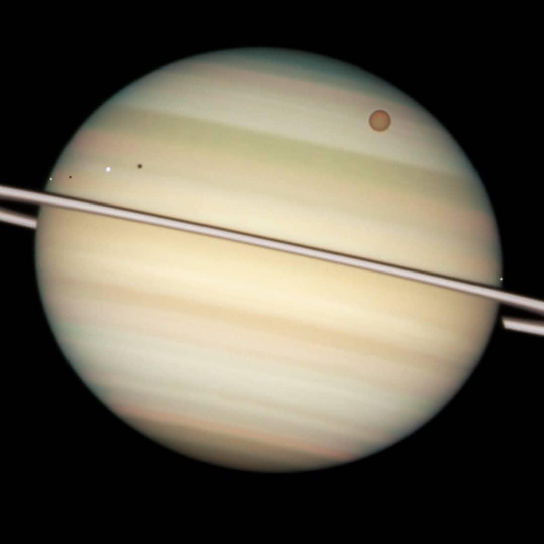 hy saturns moon titan - HD1080×1080