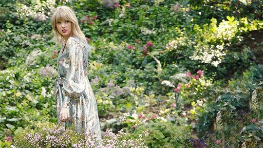 Taylor Swift News Tswiftinasia On Twitter Taylor Swift Lover Photoshoot 2019