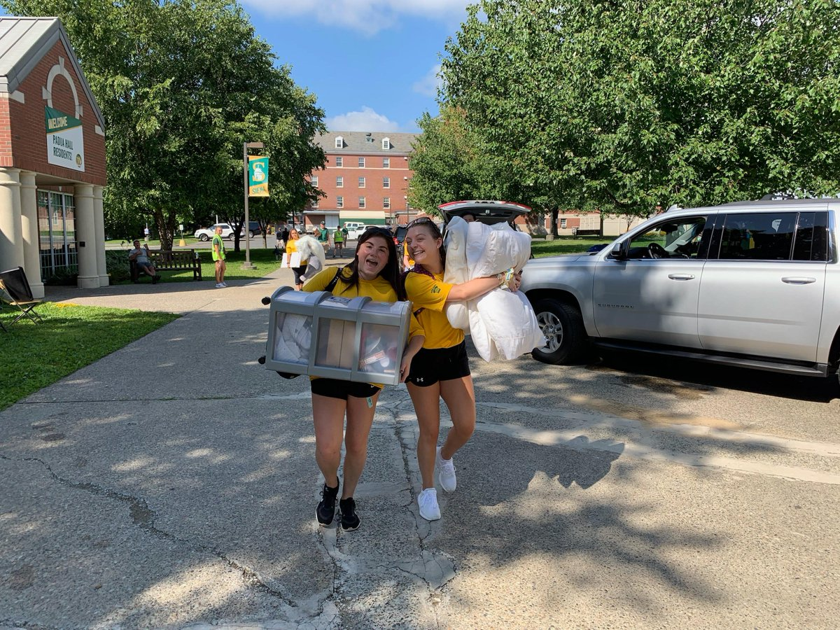 Move In Day 2019 is in full swing! We're excited to meet all of our new Saints today 💛💚