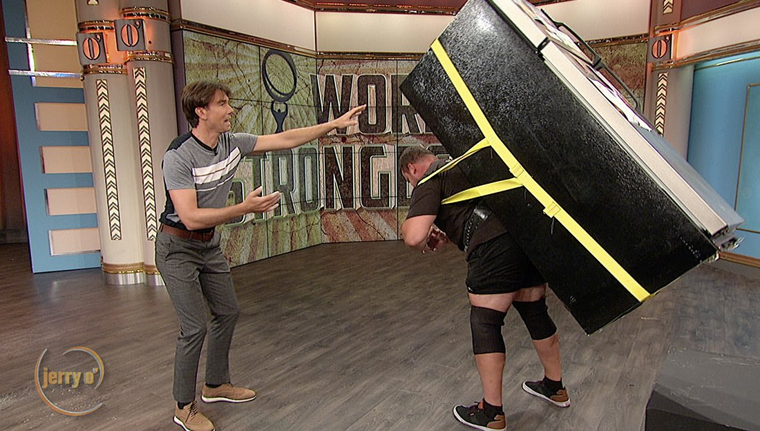 The World's Strongest man stops by to help @mrjerryoc move back to L.A.!