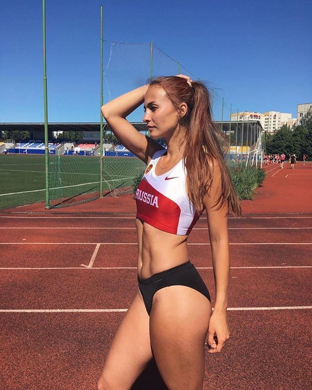 Sexy Russian runner... #Repost @athleticsawesome ・・・ Send your pic to our DM to be featured!#AthleticsAwesome #runnersrussia#run #runway #nikerunning#marathon #athletics_life #athletics#runners #running #instarunners#trackandfield #russia #ru… https://ift.tt/2NBSgEKpic.twitter.com/ZaKekjnrc5