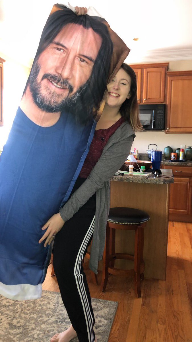 All my ex's used to be abusive trash who made me cry, then I married my best friend who buys me a Keanu Reeves body pillow #ilovekeanu pic.twitter.com/4yeQOPGRss
