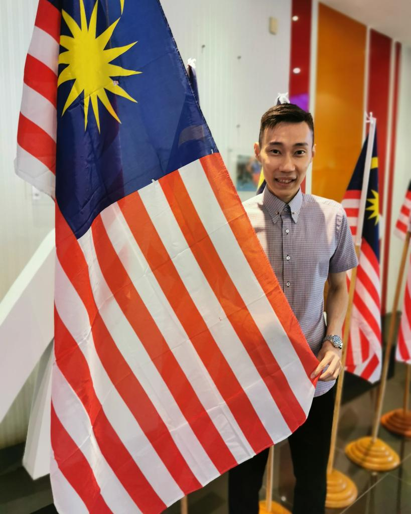 Malaysians are much much bigger than these.Happy birthday soon, Tanah tumpahnya darah ku. Kesetiaan kepada Raja dan Negara.#happymerdeka2019 #wearemalaysian #spreadlovenothate #malaysiaismycountry #iamleechongweihttps://m.facebook.com/story.php?story_fbid=1113319532199331&id=231725927025367 …
