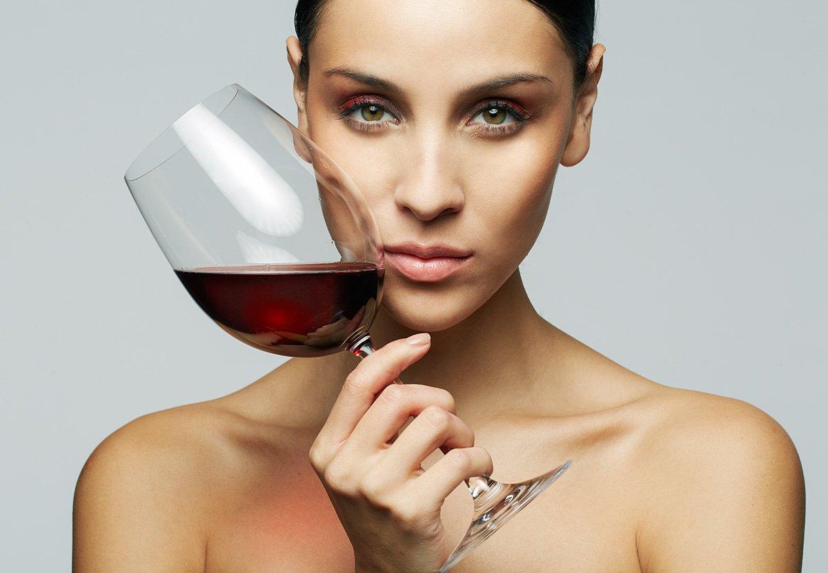 Картинки про вино и девушек, онлайн день рождения
