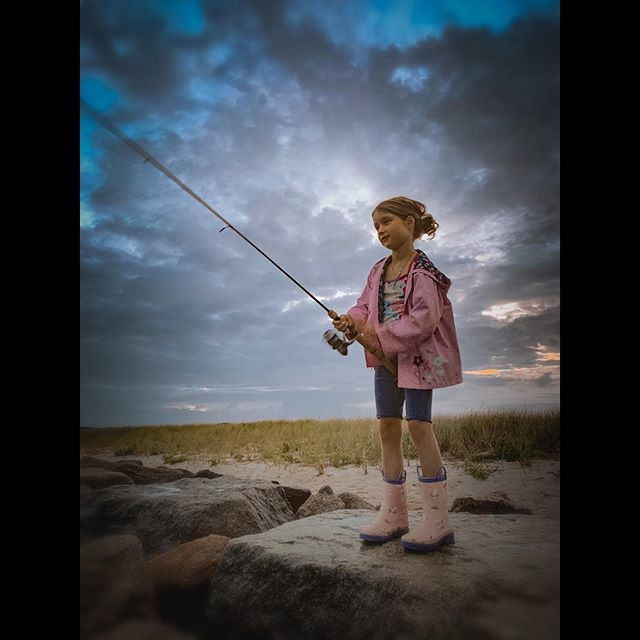 """test Twitter Media - My daughter Hailey's only used a fishing rod a few times. I took her fishing yesterday and watched something in her change. It was like she discovered a part of herself she hadn't known before. The joy she radiated while casting from the rocks and """"takin… https://t.co/rd5YGXQMcc https://t.co/6QOScou1em"""
