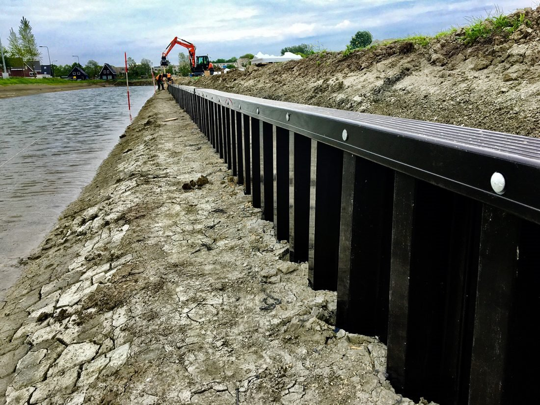 MultiLock® plastic #piling is an excellent product for #erosion control and #scour protection.  preventing water undercutting embankments.  #Recycled #plasticpiling #SustainableUse #sustainable  https://t.co/wDohuo8f7c https://t.co/s9jJduTxU3