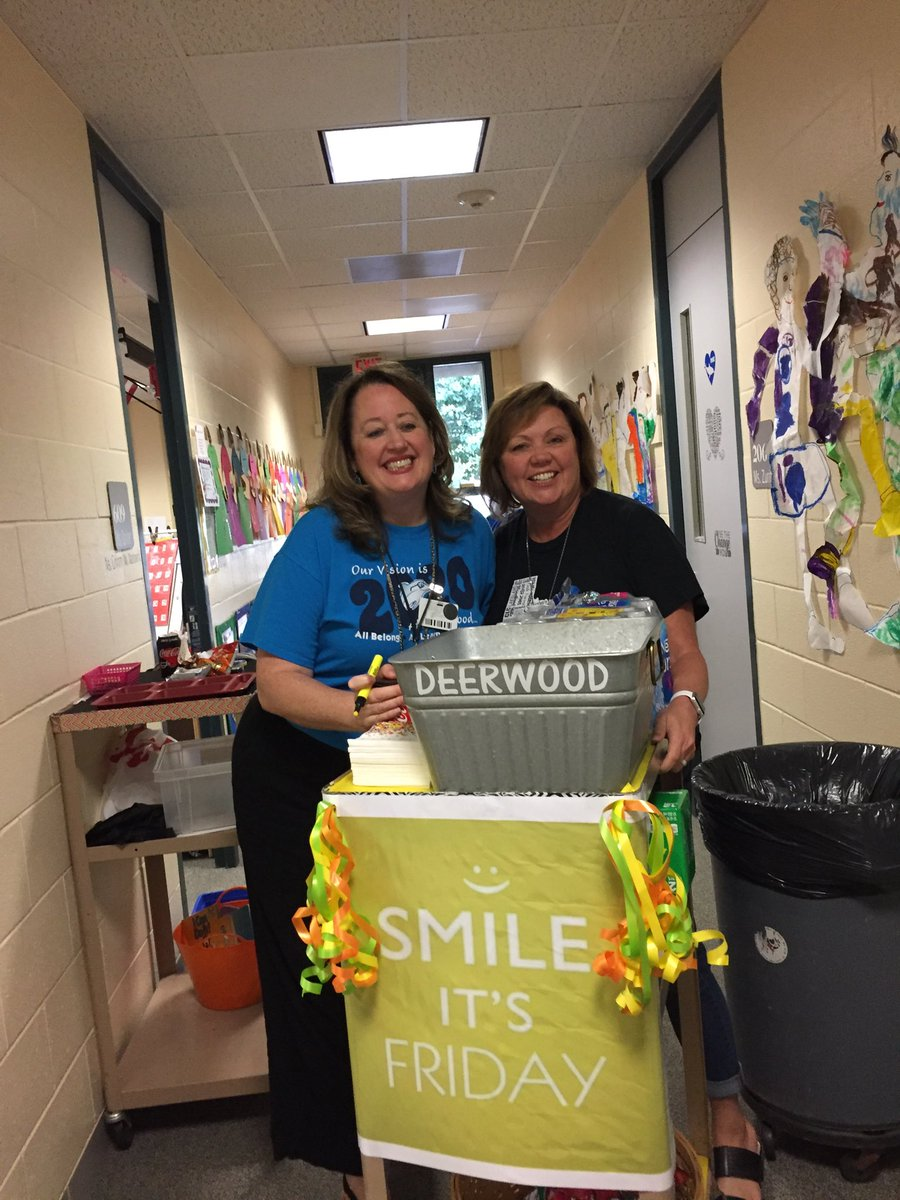 """Happy Friday """"Fri-YAY"""" Sweet treats from our awesome Mrs. Davies and Mrs. Godinich!  @humbleisd_DWE #DWE2020 <br>http://pic.twitter.com/ucQY9cH0gw"""