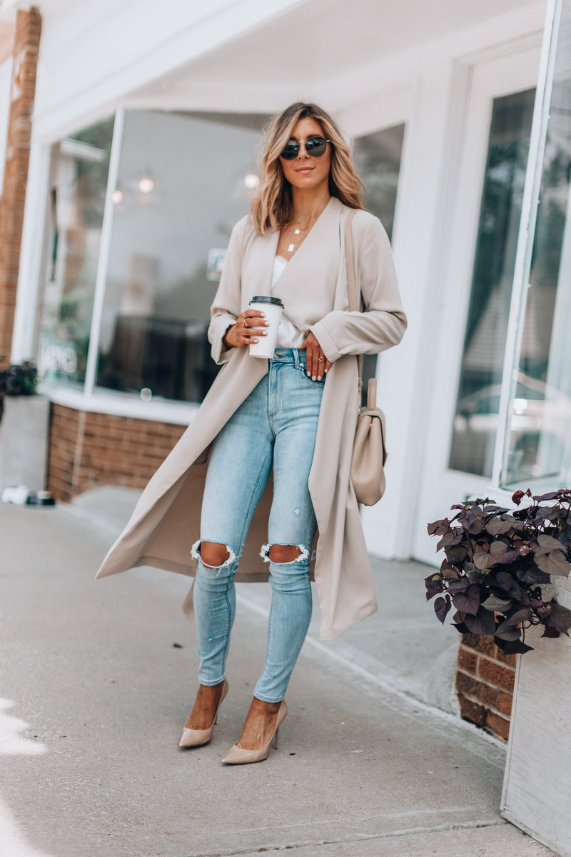 My favorite trench coat (and my entire look) for fall is 40% off right now! @express #expresspartner #ad https://t.co/90pGYZZfZA https://t.co/LbyqoDsoyM