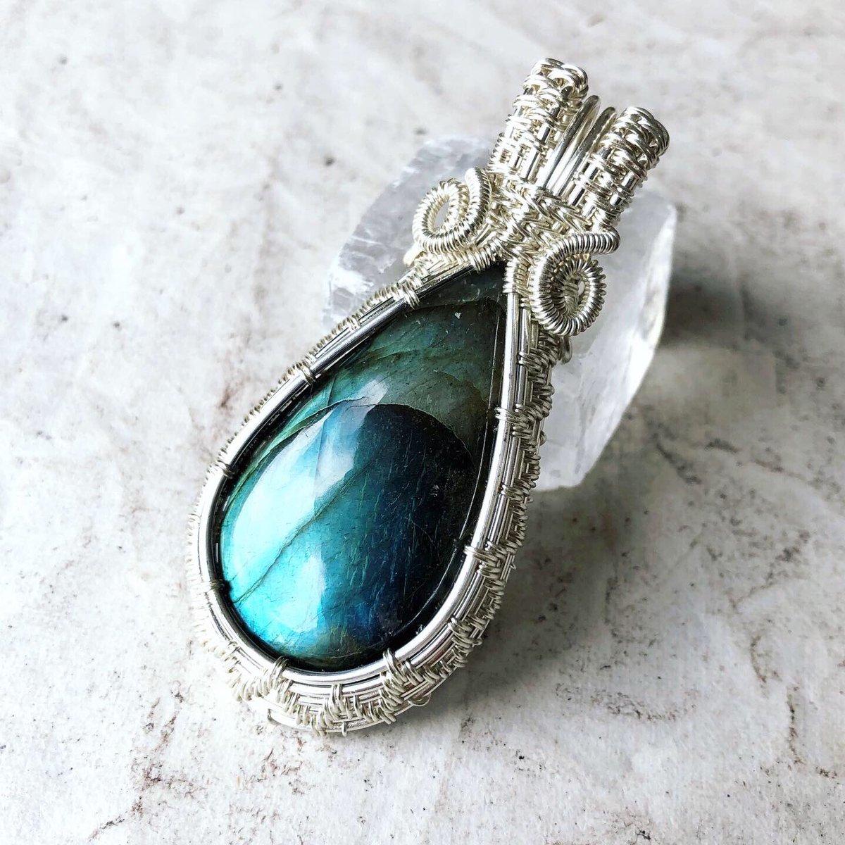 New in my Etsy shop   Gorgeous green blue flash Labradorite pendant https://etsy.me/2ZHa7wq   #ethicalfashion #ethicaljewellery #ethicaljewelry #labradorite #labradoritejewellery #labradoritejewelry #labradoritependant #handmadejewellery #supportsmallbusinesspic.twitter.com/ZuHhPk1MrQ