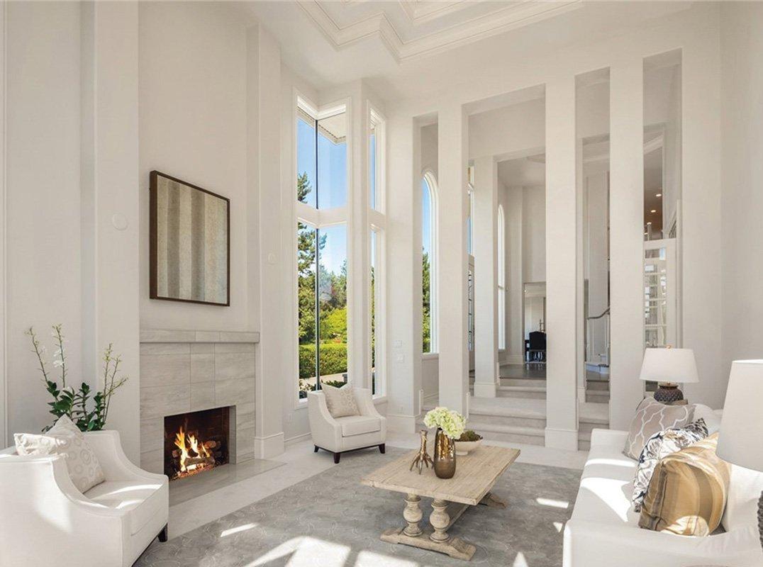 Seattle Sunlit Estate W