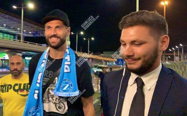 """Foto. Llorente arrivato a Napoli: """"Sono contento di tornare in Italia"""""""