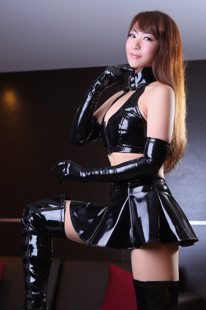 Strapon Mistress With Slave