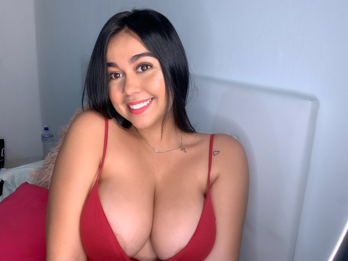 Pin On Tiktok Beauty, Style And Curves