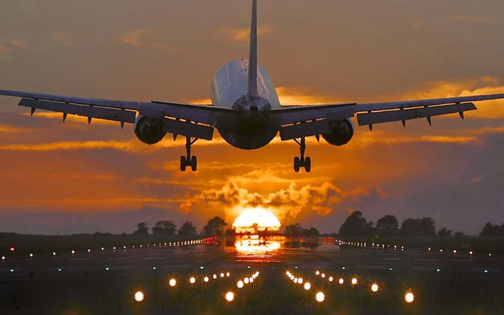 выложить фото взлетающих самолетов длинных рукавов