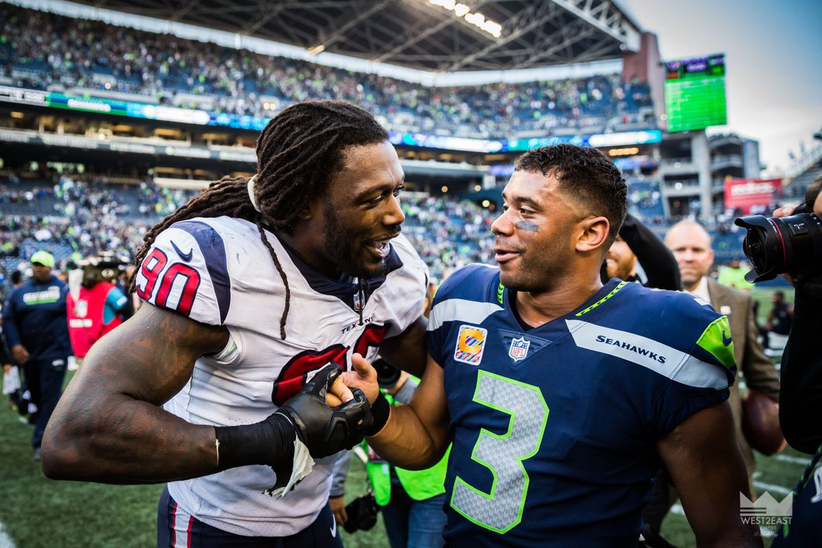 """Me: So you telling me you're not chasing me anymore? @ClowneJD : """"Nah bro...all other QBs"""" Me: okay we're cool we're cool.. 😎 Welcome to the squad bro! 🏈🏈🏈"""