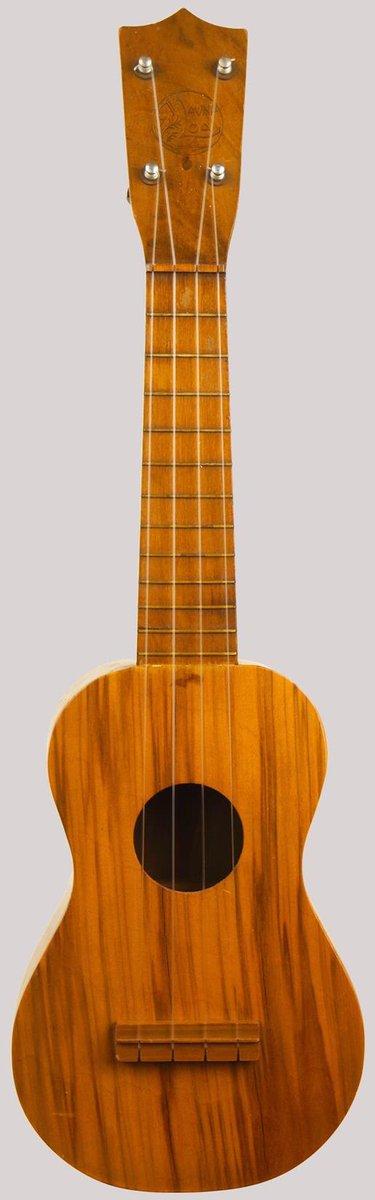 Lyon and Healy mauna loa soprano ukulele