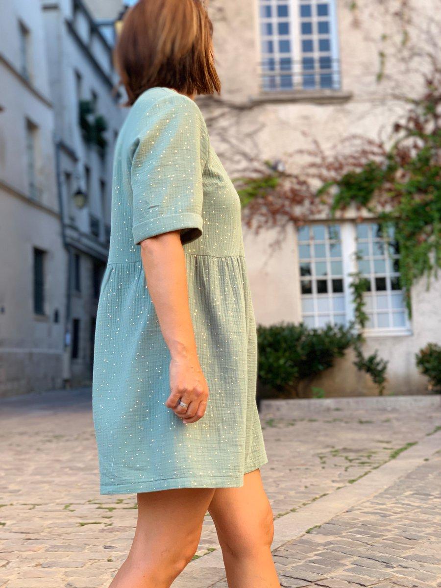 Découvrez en exclus la Robe Line en gaze de coton à pois dorés. Très agréable à porter douce et légère on Adore http://www.unepouleparisienne.com #unepouleparisienne #paris #fabriqueenfrance #madeinfrance🇫🇷 #fashion #musthave #gazedecoton #vertdeau #shoponlinenow #mode #femmeentrepreneur