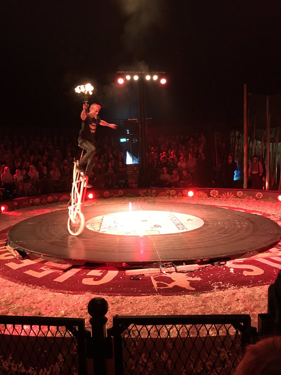 Giffords Circus (@giffordscircus) | Twitter