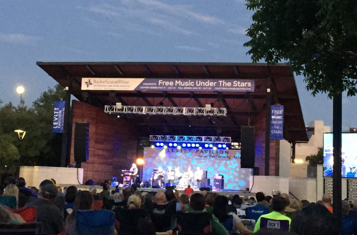 "Perfect night for an outdoor concert-"" I just want to Celebrate""that Rare Earth is @LevittArlington"