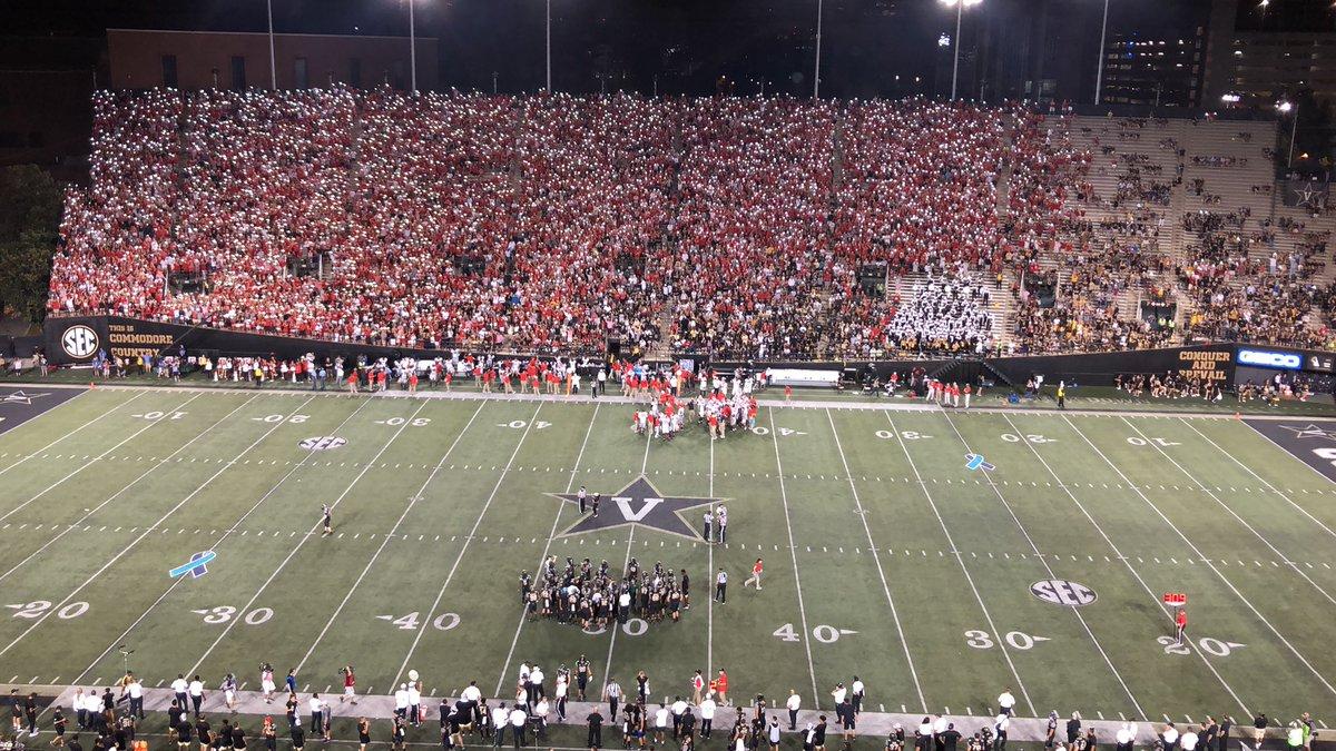 Look: Georgia fans light up the fourth quarter at Vanderbilt Stadium