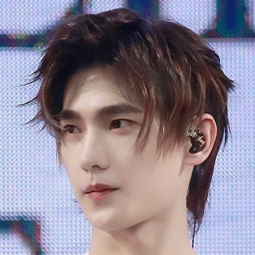 Yang 杨洋 Yang Is Yu Tu On Twitter Yang Yang Topped The Vlinkage Top 20 Actors List 10 Days In A Row Now I Think For The Month Of August He