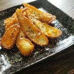 チーかまが最高のおつまみに!?油で揚げ焼き「チーかまチップス」の作り方!